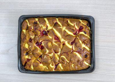 Κέικ βανίλια με κρέμα βύσσινο
